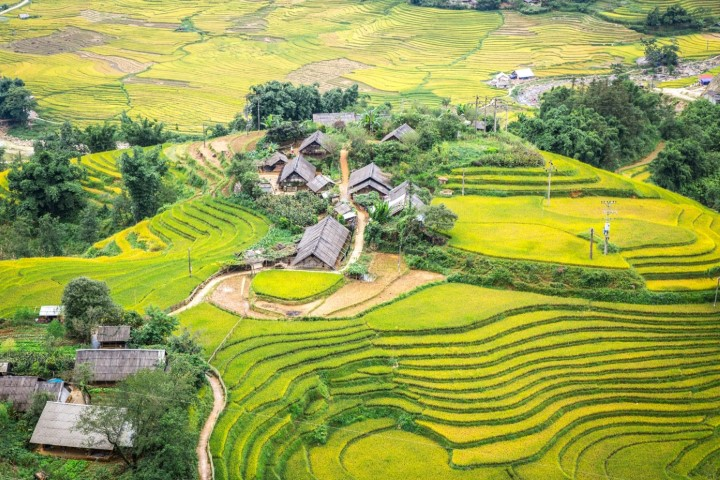 2015_VSP_Destinations_Hau-Thao-_-Sau-Chua-Villages_Rice-Paddies_Marcom-9