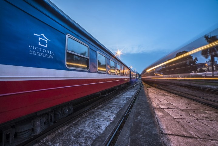 Hanoi-to-Sapa-by-Train-victoria-express-2